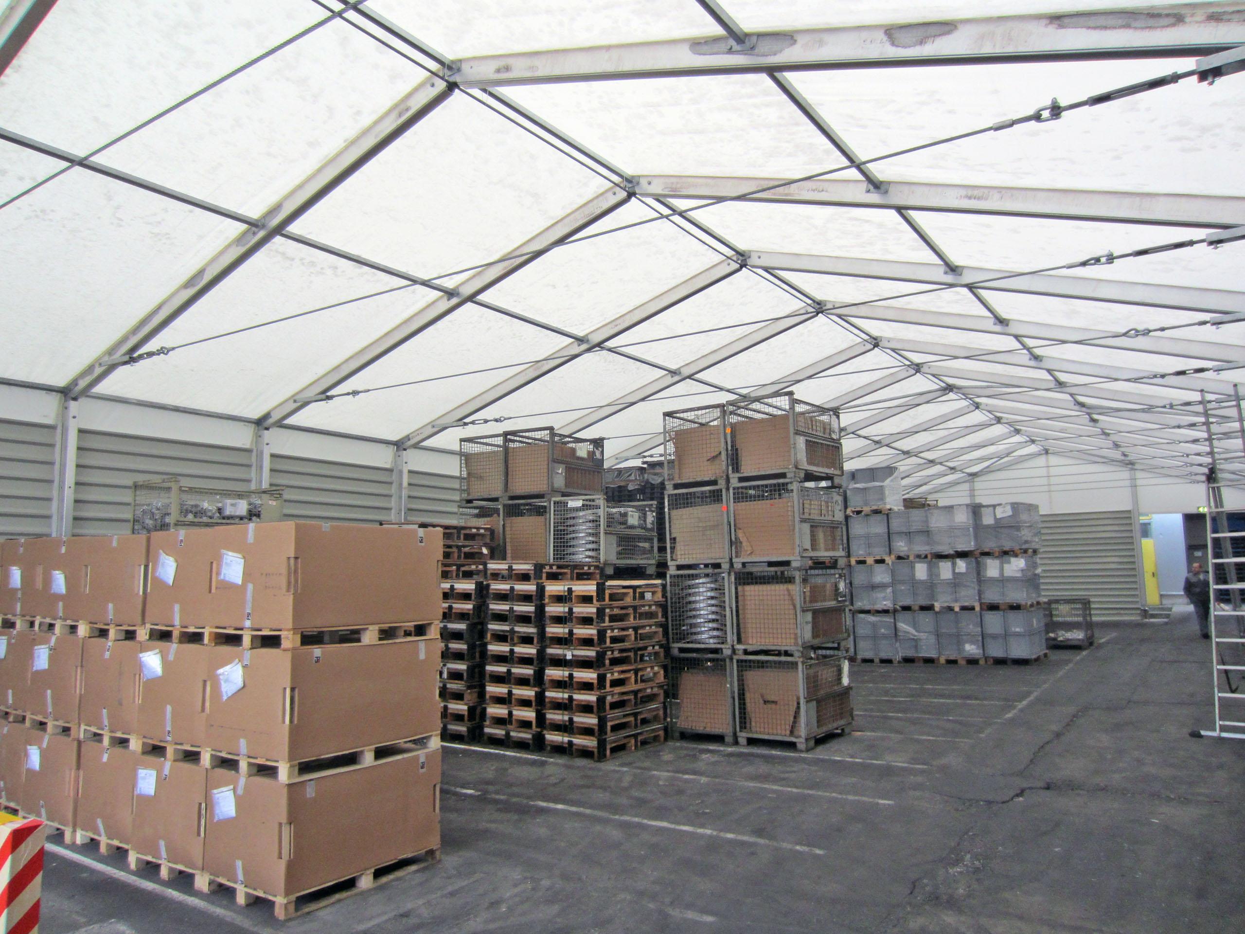 Lager- und Verkaufszelte